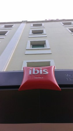 Ibis Vientiane Nam Phu Hotel: right in the central