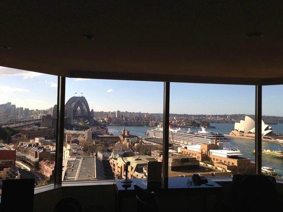 Quay West Suites Sydney : 10th Floor Harbour View Room