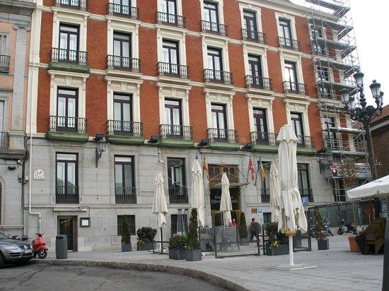 Intur Palacio San Martin : Outside view