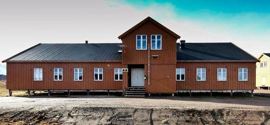 """Ny Alesund + The most Northern Town: La base italiana """"Dirigibile Italia"""" del CNR"""