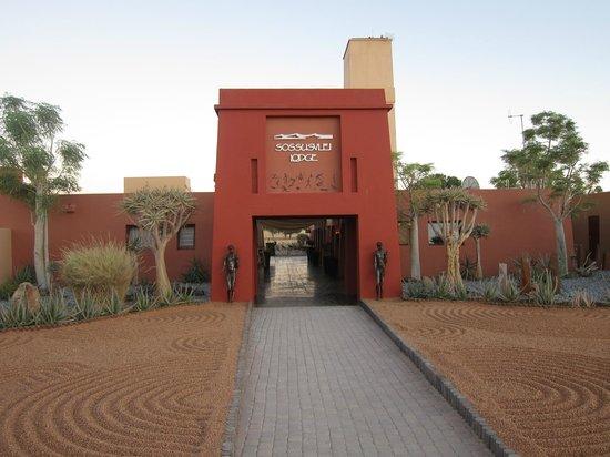 Sossusvlei Lodge : Entrée de l'hôtel