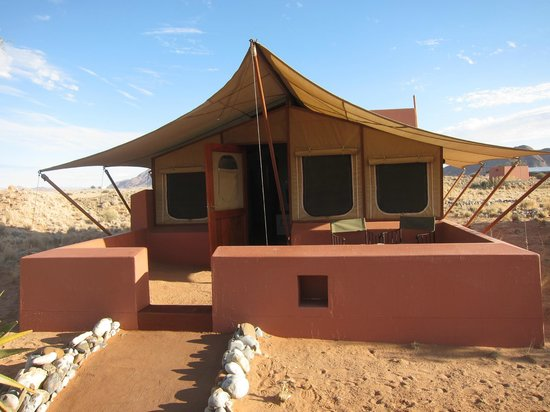 Sossusvlei Lodge : Chambre sous toile de tente