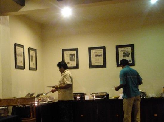 Landmark Hotel: buffet  breakfast