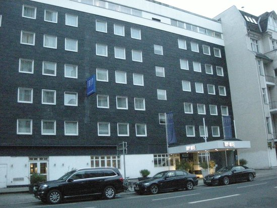 Tryp by Wyndham Berlin AM KU Damm: Esterno