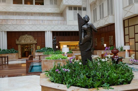 Shangri-La Hotel,Bangkok : The Lobby