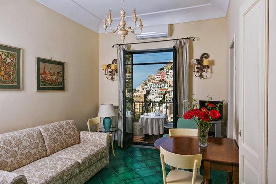 San Sebastiano soggiorno con divano letto - Picture of Palazzo ...