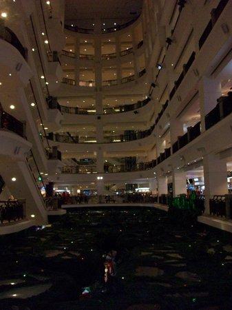 Berjaya Times Square Hotel : Hotel Mall