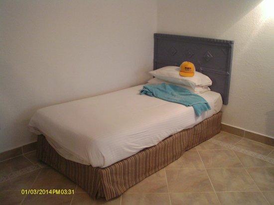 SUNRISE Select Royal Makadi Resort: John's bed