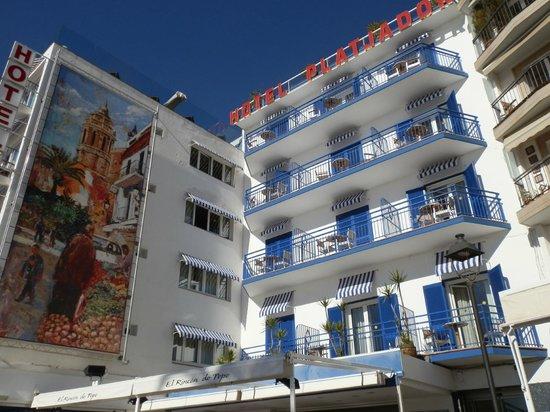 Hotel Platjador: fachada hotel