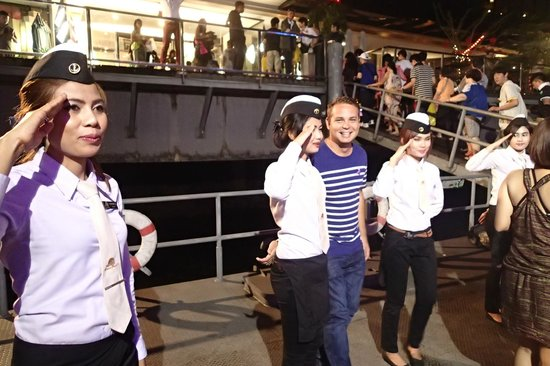 Grand Pearl Cruise: Grand Pearl Dinner Cruise