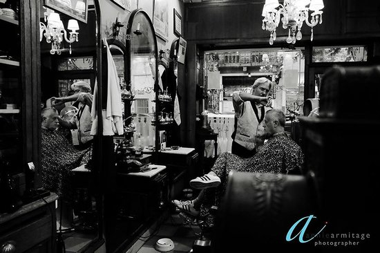 Foto Ruta Buenos Aires : On the city tour and taken to La Epoca a hair dresser and barber