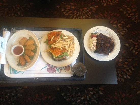 Holiday Inn Cincinnati Airport: Room Service