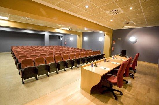 Villa Alojamiento Y Congresos: Salón de actos