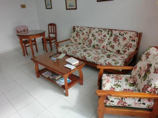 Morana Apartments: woonkamer