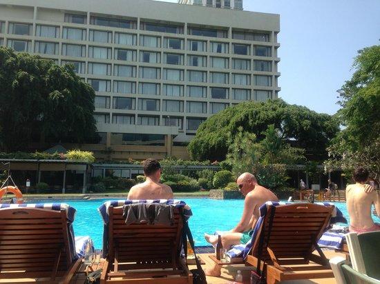 Cinnamon Grand Colombo: Pool area