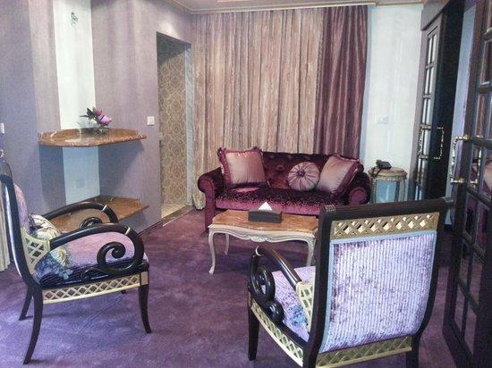 Q Hotel: Ambassador Suite