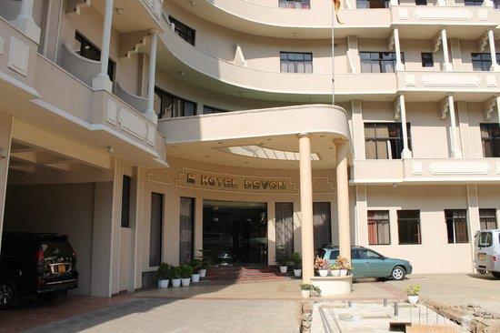 Hotel Devon: Entrée de l'hôtel