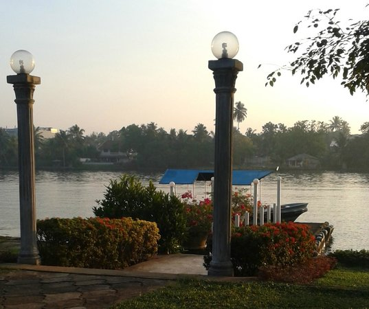 Sri Budhasa Ayurveda Resort : Gratis taxi naar westcoast Bentota Rivier