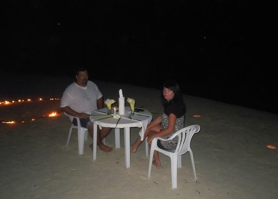 Atoll Beach Inn: romantic dinner