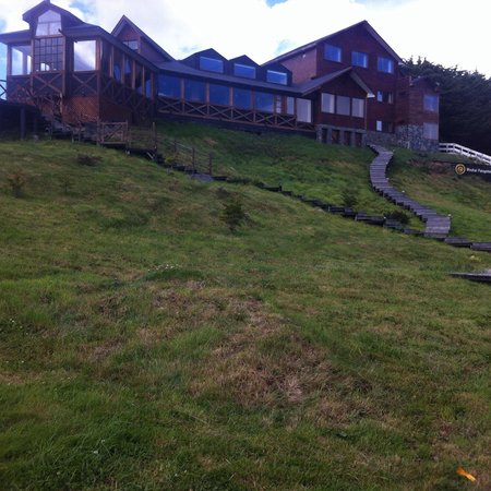 Weskar Patagonian Lodge: Vista desde la carretera