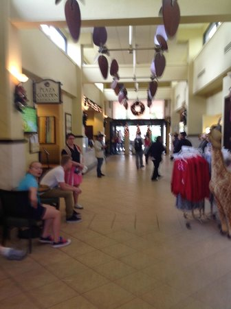 Rosen Inn at Pointe Orlando: From Pool to Lobby