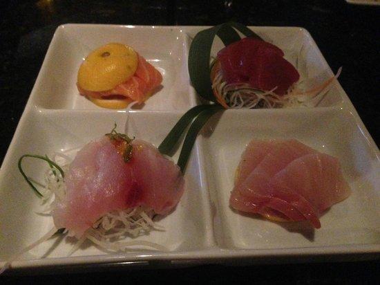 Kiyens: sashimi sampler