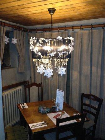 Innkeeper's Lodge Hathersage, Peak District: christmas decoration