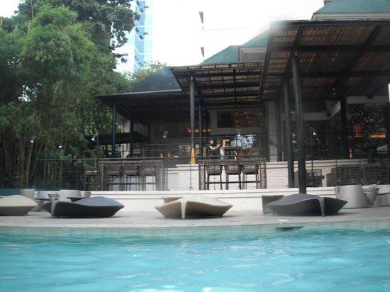 Cebu City Marriott Hotel: 세부시티 메리어트 수영장에서~