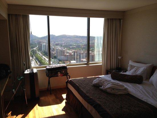 Boulevard Suites: Quarto enorme com vista maravilhosa