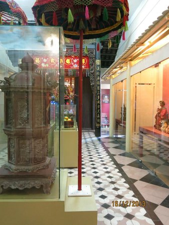 Ho Chi Minh City Museum: Display at the museum