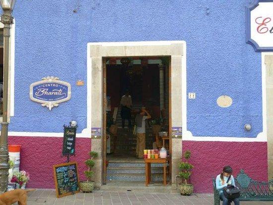 Centro Bharati : The façade of the restaurant.