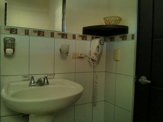 Las Espuelas Hotel: Belle salle de bain