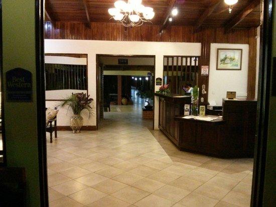Las Espuelas Hotel: Reception