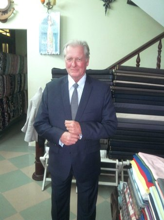 Duc Minh Tailor : australian try on his suit