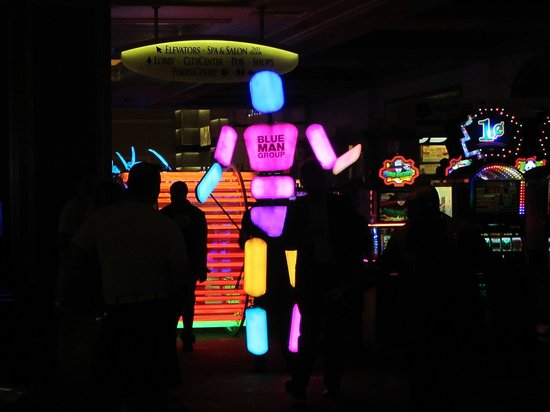 Monte Carlo Resort & Casino: BLUE MAN GROPU PROCESION