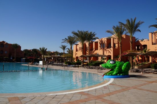 Jaz Makadi Oasis Resort and Club: детская зона в бассейне