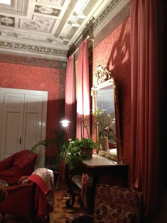 Hotel Orto De Medici : Reading Room/Lounge