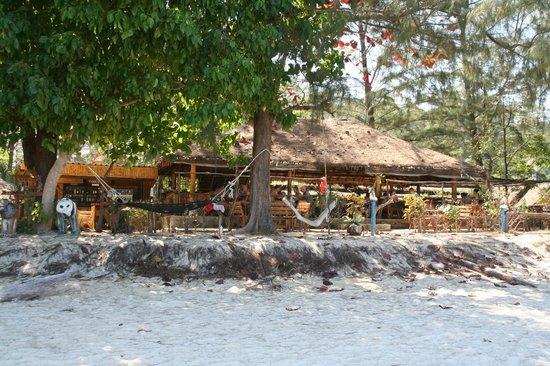 Kradan Beach Resort Restaurant And Bar Area