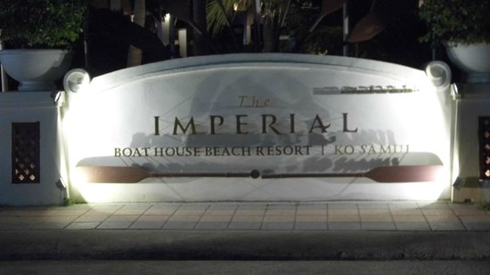Imperial Boat House Beach Resort: Hotel sign