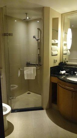 Ascott Sathorn Bangkok: bathroom