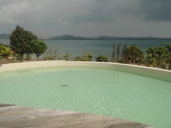 BelindaBeach Lovely Boutique Hotel: Pool view