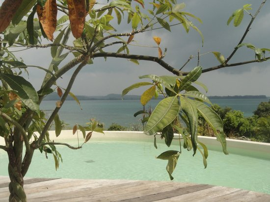 BelindaBeach Lovely Boutique Hotel: Poolview