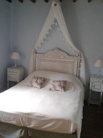 Les Pres de Mautort: chambre romantique