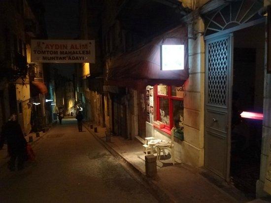 Leb-i Derya: insegna luminosa