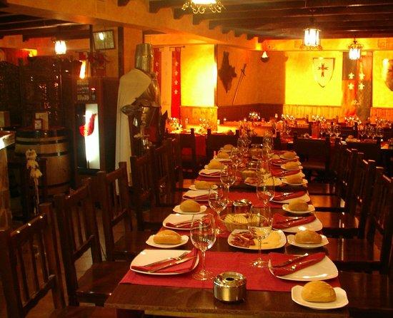 Templar's Tavern: el salón es muy bonito