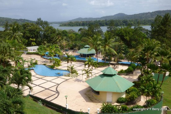 Gamboa Rainforest Resort: View from bedroom of the pool