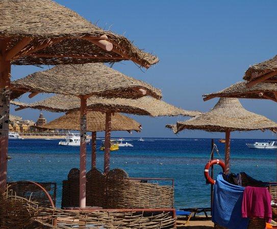 Jaz Makadi Oasis Resort and Club: пляж