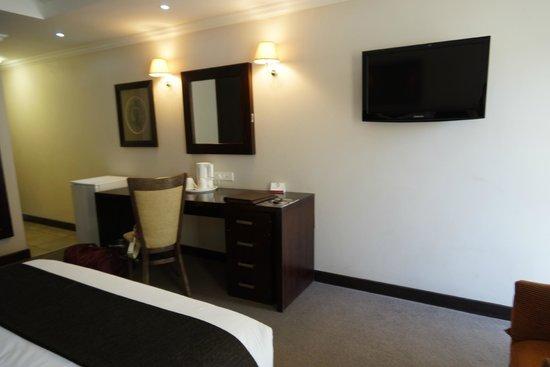 Cresta Thapama Hotel: room