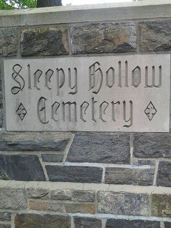 Sleepy Hollow Cemetery: Washington Irving