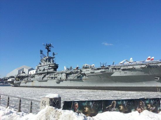 Intrepid Sea, Air & Space Museum: USS Intrepid at dock